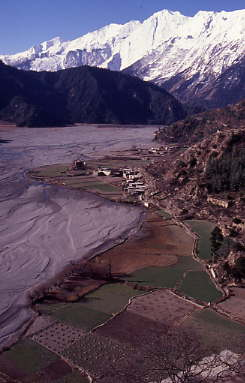 kali-gandaki-river-valley